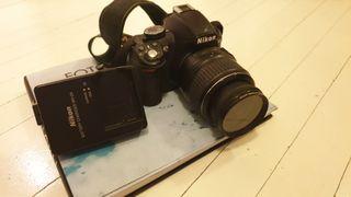 Cámara réflex Nikon 3100