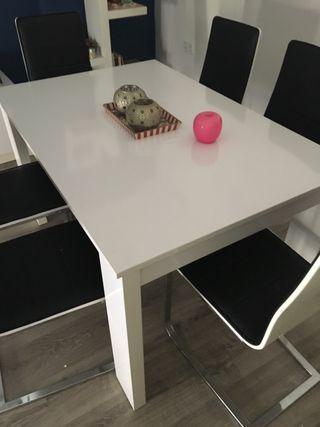 Mesa comedor blanca de segunda mano en Valencia en WALLAPOP
