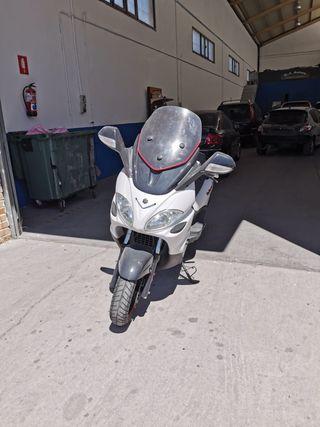 Moto Piaggo X9 125