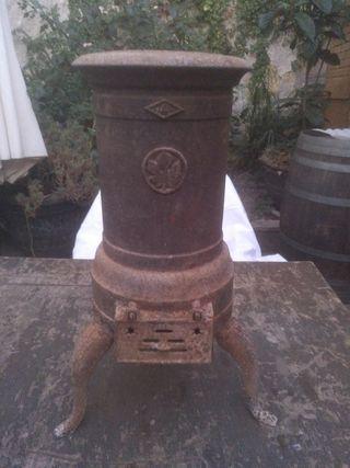 Estufa antigua de hierro fundido