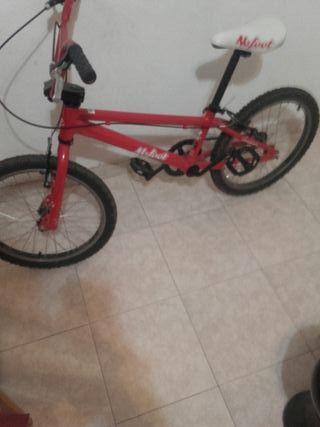 Bicicleta estilo BMX muy poco uso ideal niñ@ de 1