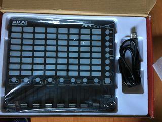 Controladora Akai APC mini