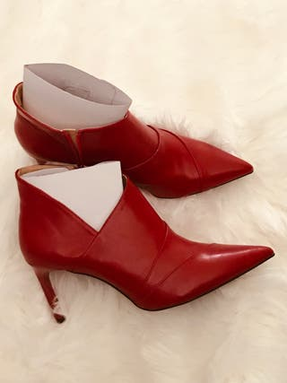ZARA NEW AW18 ANKLE BOOTS WITH STILETTO HEEL RED