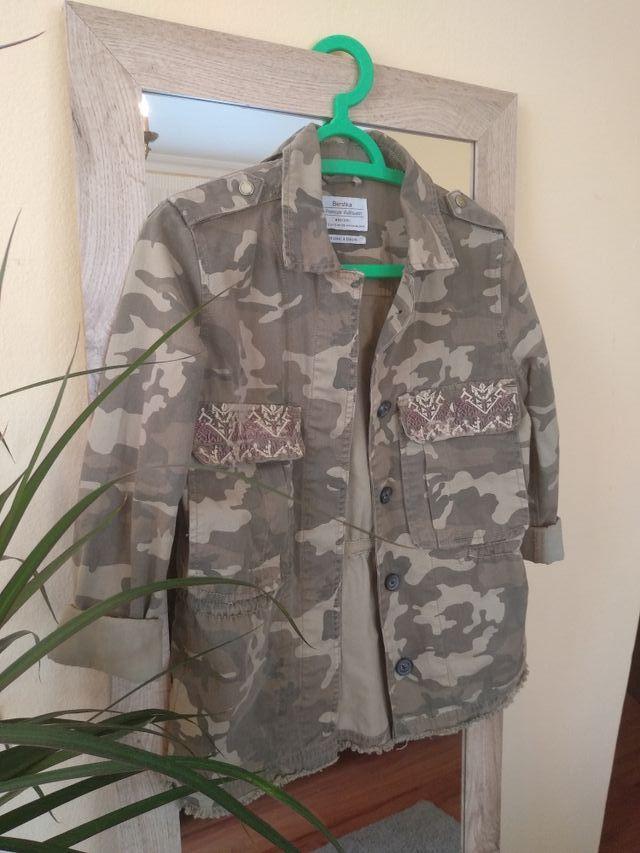 Cazadora militar Bershka