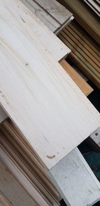 madera machembrada lacada blanca