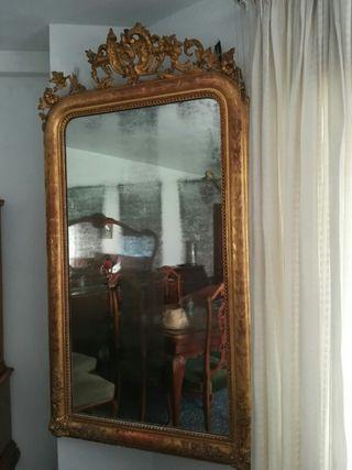 Espejo de pared Isabelino