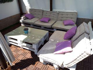 conjunto mesa y 2 sofás palets