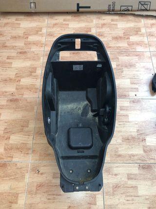 Plástico maletero kymco grand dink