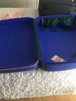 Juego de maleta grande y maletin