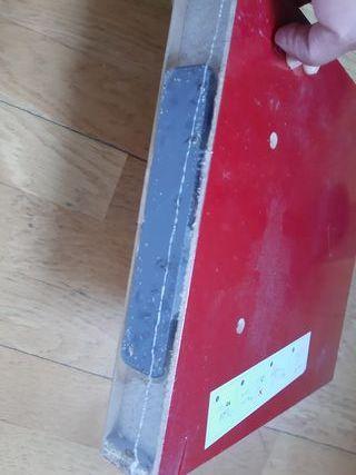 balda roja 23,5 x 23,5cm NUEVA. spaceo