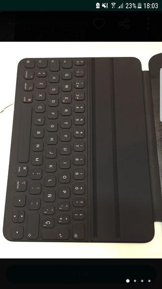 smart keyboard folio ipad pro 11