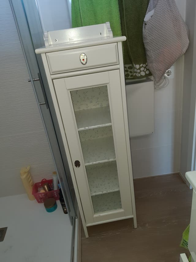 Mueble baño accesorio de Ikea