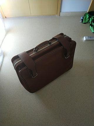 antigua maleta de piel