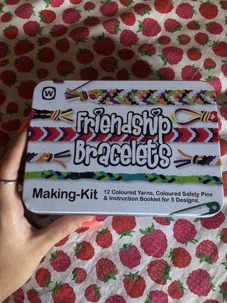 Friend ship bracalets