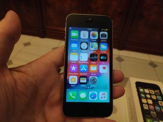 iPhone 5s 16 Gb gris