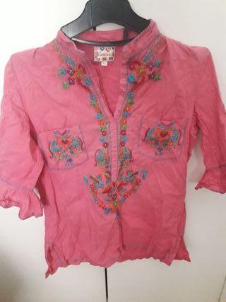 Blusa rosa con bordados Flamenco