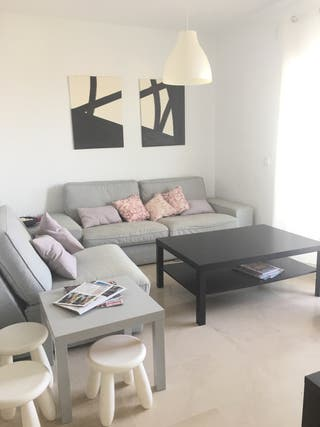 Sofá de 3 plazas, sofá de 1 plaza y mesa de centro