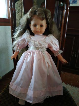muñeca antigua Famosa