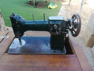 Máquina Coser Antigua Refrey