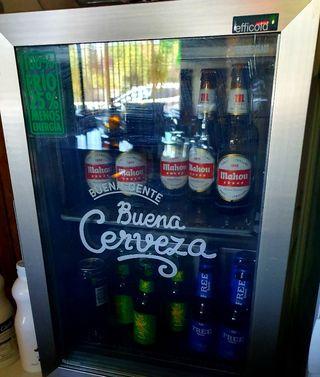 Nevera expositora de bebidas