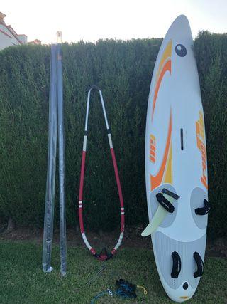 Equipo completo windsurf (uso en 2 ocasiones)