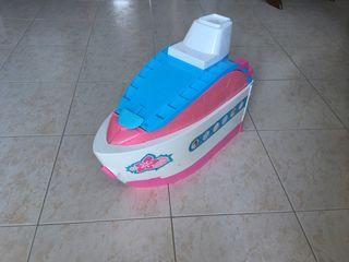 Súper barco de vacaciones de Barbie