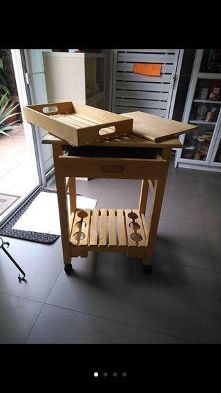 Mesa cocina auxiliar multiusos pequeña y funcional