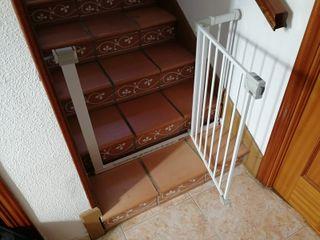 Barreras de seguridad para escaleras.