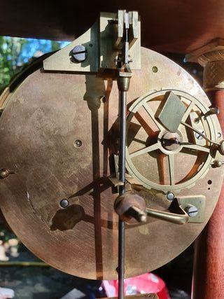 Reloj Circa 1820 caoba bronce dorado al mercurio