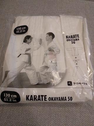 Karate Okayama 50. Kimono y cinto. Para niños.