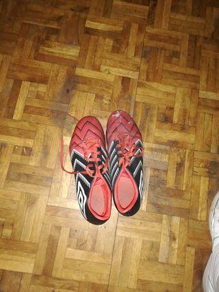 botas de futbol talla 43