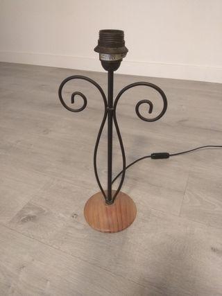 Lámpara de mesa de hierro