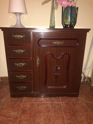Mueble con máquina de coser REFREY !!