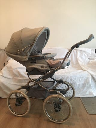 Bebecar Stylo pram, carrycot and raincover