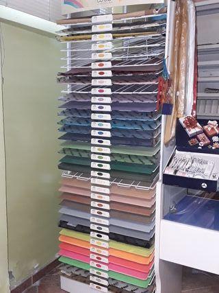 Expositor cartulinas y 440 cartulinas de colores