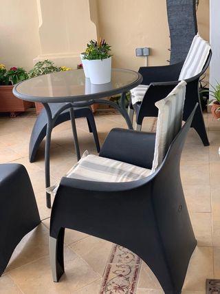 Mesa terraza y sillones