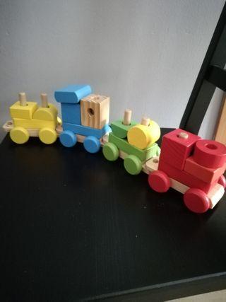 varios juguetes de madera