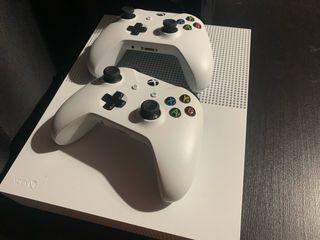 Xbox one S 1Tb 2mandos y 3juegazos