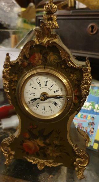 Mediano reloj Despertador marca velvette brevete