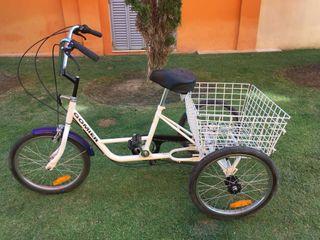 Bicicleta marca Gomier de tres ruedas