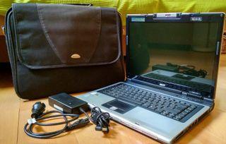 Portátil Acer con Disco duro Nuevo y maletín