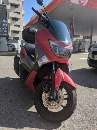 MOTO YAMAHA NMAX 125 + BAÚL + PITÓN + SOPORTE MVL
