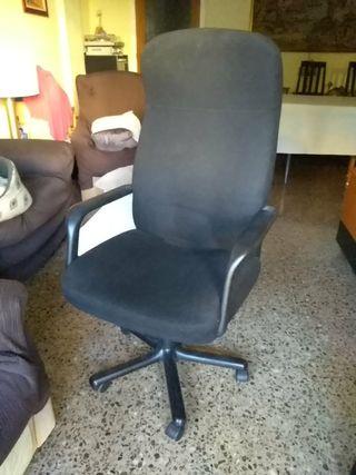 sillón oficina o estudio.