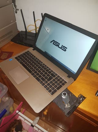 ordenador portátil Asus i3 ssd 240