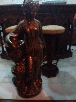 Escultura de Belleza retrotrae Antiguedad ROMANA
