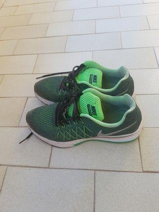 Zapatillas de deporte Nike color verde talla 40