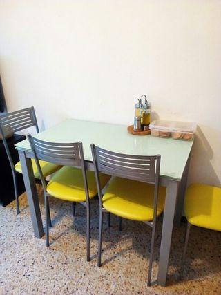 mesa comedor con silla