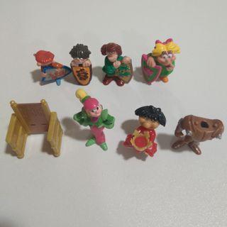 kinder medieval muñecos castillo escudos figuras