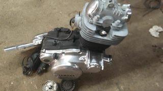 Motor Yamaha SR 250