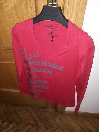 Camiseta CALVIN KLEIN JEANS manga larga de mujer.